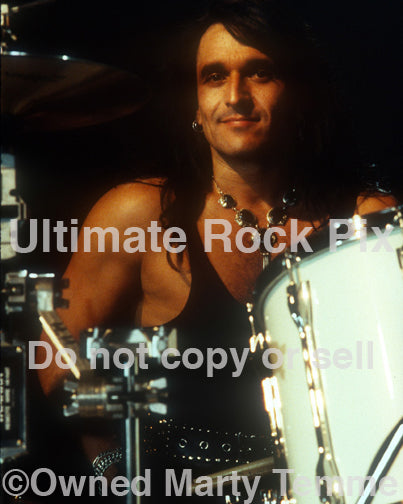 Photo of drummer Audie Desbrow of Great White in concert in 1992 by Marty Temme