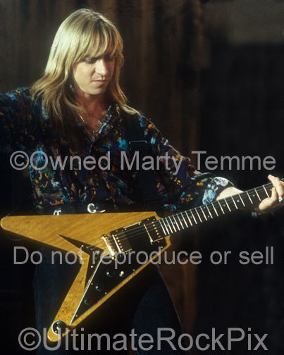 Photo of Michael Lardie of Great White in concert in 1992 by Marty Temme
