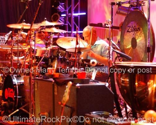 Photo of drummer Ben Smith of Heart in concert in 2007 by Marty Temme
