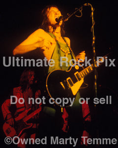 Photo of singer Steve Marriott of Humble Pie in concert in 1973 by Marty Temme