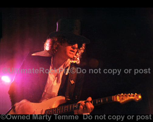 Photo of Ian Hunter in concert in 1981 by Marty Temme