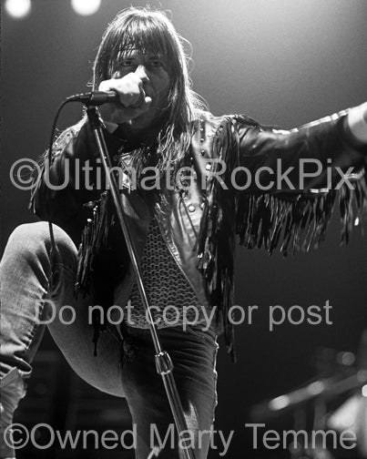 Black and white photo of Bruce Dickinson of Iron Maiden singing in 1991 by Marty Temme