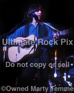 Photo of singer-songwriter Jackson Browne in concert in 1974 by Marty Temme