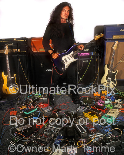 Photo of guitar player Jake E. Lee during a photo shoot in 1995 by Marty Temme