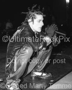 Photo of singer Perry Farrell of Janes Addiction in concert in 1997 - janesbw973
