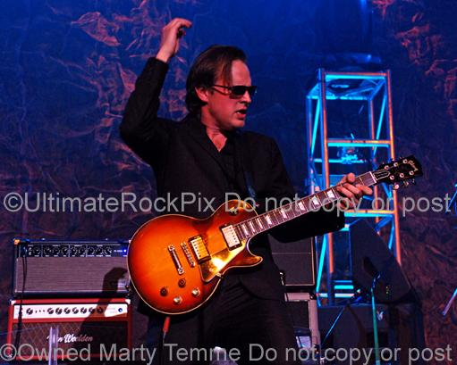 Photos of Joe Bonamassa Playing a Les Paul Standard by Marty Temme