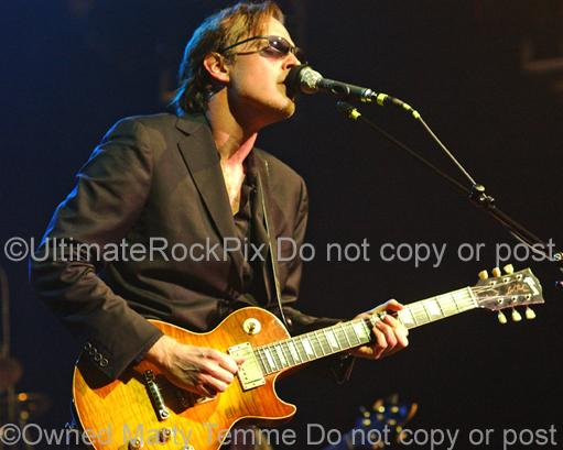 Photos of Joe Bonamassa Playing a Gibson Les Paul by Marty Temme