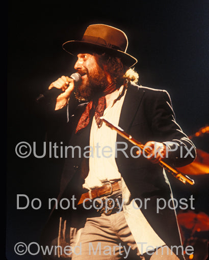 Photo of Ian Anderson of Jethro Tull in concert in 1989 by Marty Temme