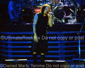 Photo of Jonathan Davis of Korn in concert in 2006 by Marty Temme