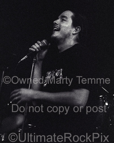 Photo of John Garcia of Kyuss in concert in 1994 by Marty Temme