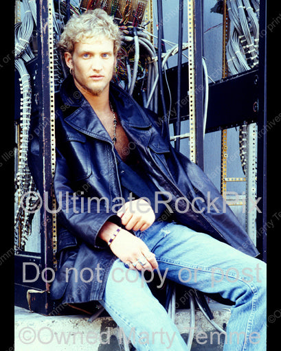 Photo of Layne Staley wearing a homemade sling for his injured shoulder during a photo shoot in 1991