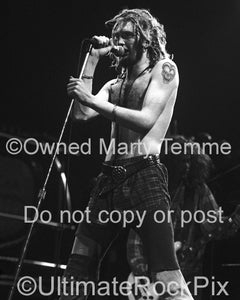 Black and white photo of singer Layne Staley in concert in 1991 by Marty Temme