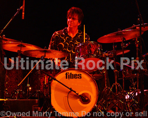 Photo of drummer Chris Layton of Kenny Wayne Shepherd playing Fibes drums in concert by Marty Temme