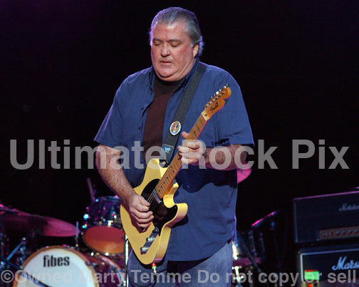 Photo of guitarist David Hidalgo of Los Lobos in concert