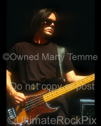 Photo of bassist Phil King of Lush in concert in 1992 by Marty Temme