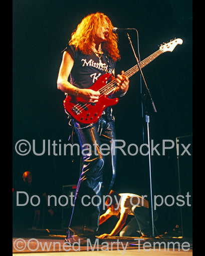 Photo of Ean Evans of Lynyrd Skynyrd in concert in 2004 by Marty Temme