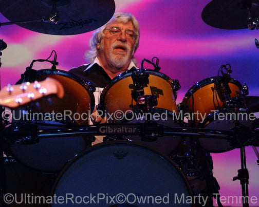 Photo of Graeme Edge of The Moody Blues in concert by Marty Temme