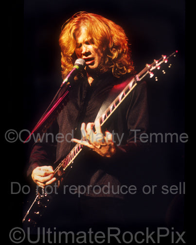 Photo of guitarist Dave Mustaine of Megadeth in concert by Marty Temme