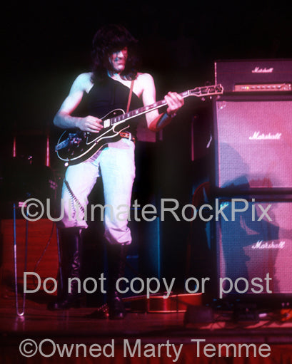 Photo of Manny Charlton of Nazareth in concert in 1972 by Marty Temme