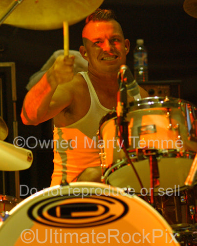 Photo of drummer Adrian Young of No Doubt in concert in 2007 by Marty Temme