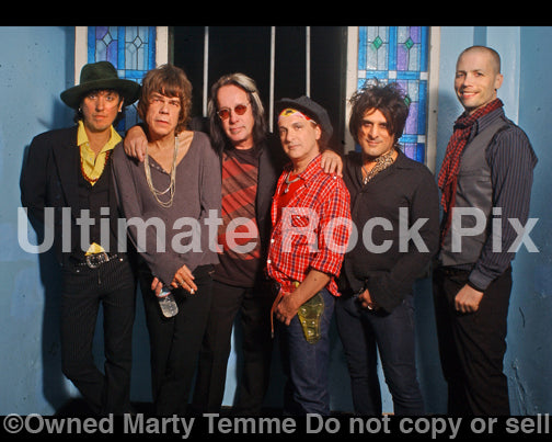Photo of Todd Rundgren and New York Dolls during a photo shoot in 2008 by Marty Temme
