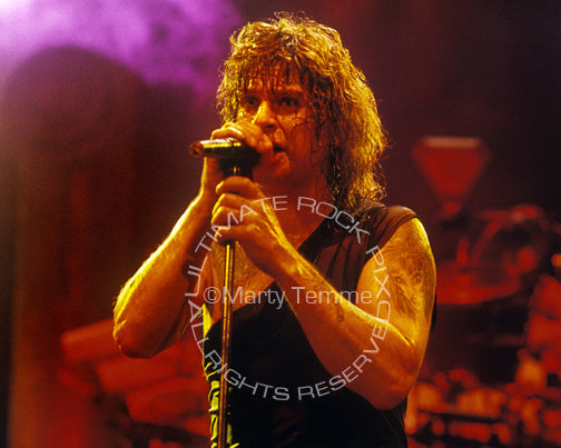 Photo of Ozzy Osbourne in concert in 1989 - ozzy8915