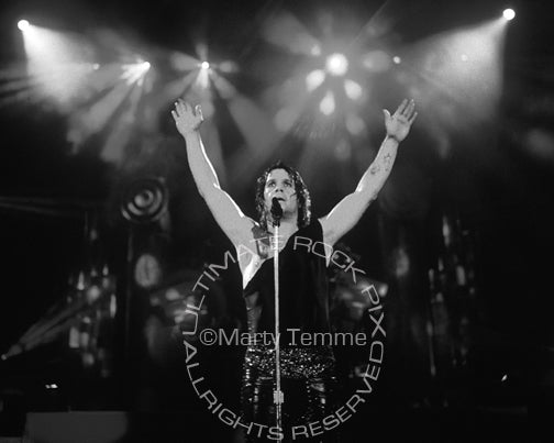 Black and white photo of singer Ozzy Osbourne performing in concert in 1989 - ozzy897bw1