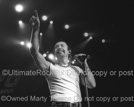 Black and white photo of Paul Rodgers of Bad Company in 2001 by Marty Temme