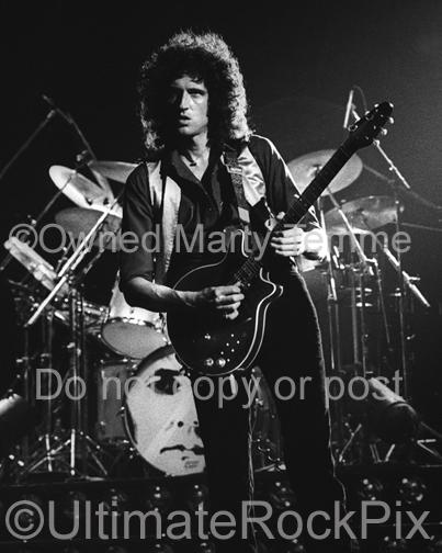 Photos of Brian May of Queen Performing Onstage in 1980 by Marty Temme