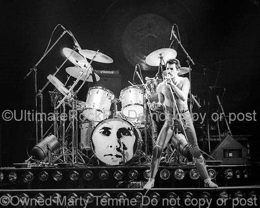 Black and White Photos of Freddie Mercury of Queen in Concert in 1980 by Marty Temme