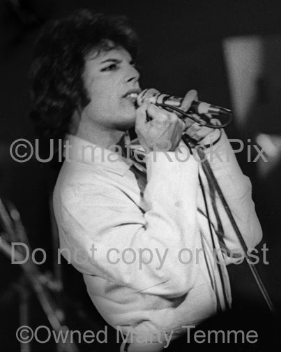 Black and white photo of singer Freddie Mercury of Queen in 1977 by Marty Temme