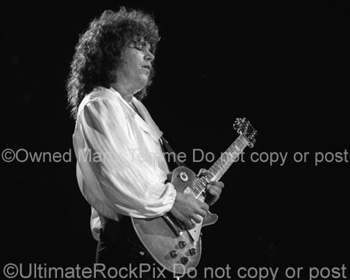 Photo of Gary Richrath of REO Speedwagon in 1981 by Marty Temme