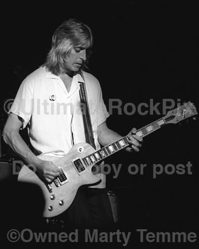 Black and White Photos of Mick Ronson Playing a Gibson Les Paul in 1979 by Marty Temme