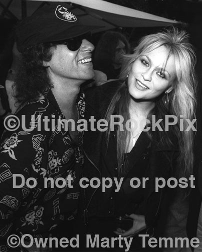 Photo of Klaus Meine of Scorpions and Doro Pesch in 1991 by Marty Temme