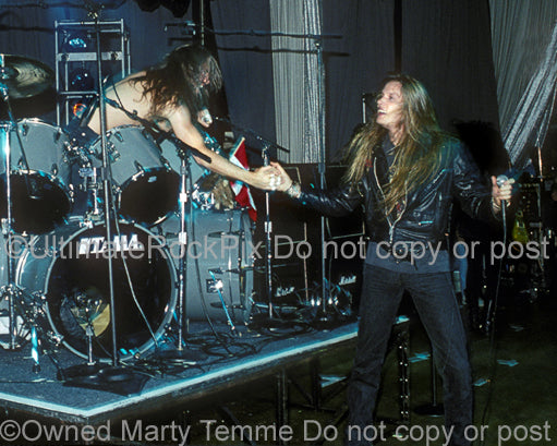 Photo of Lars Ulrich of Metallica and Sebastian Bach of Skid Row in 1990