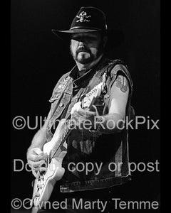 Photo of Hughie Thomasson of Lynyrd Skynyrd in concert in 2002 by Marty Temme