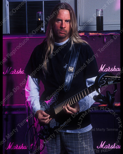 Photo of Jeff Hanneman of Slayer during a photo shoot in 1998 by Marty Temme