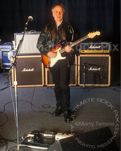 Photo of Robin Trower with his guitar equipment during a photo shoot in 1999 by Marty Temme