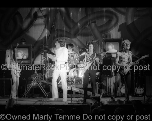 Photo of Fee Waybill and The Tubes in concert in 1975 by Marty Temme