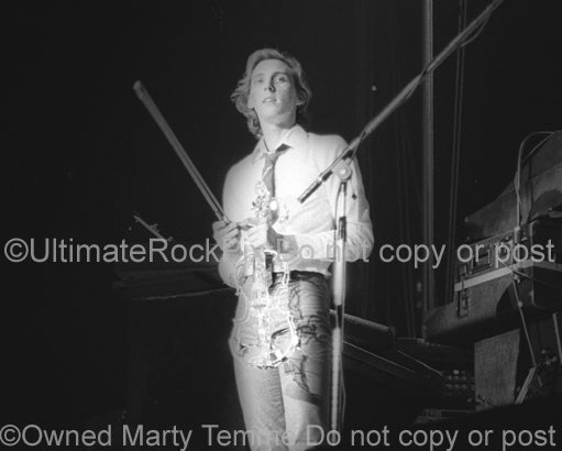 Photo of Eddie Jobson of the band U.K. in concert in 1979 by Marty Temme