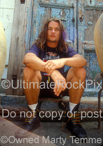 Photo of Whitfield Crane of Ugly Kid Joe during a photo shoot in 1992 by Marty Temme