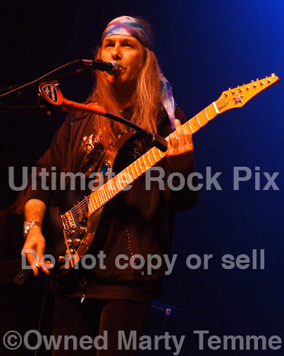 Photo of Uli Jon Roth performing in concert in 2008 by Marty Temme