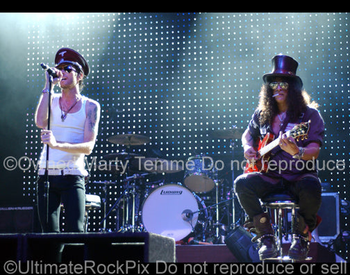 Photo of Scott Weiland and Slash of Velvet Revolver in concert in 2008 by Marty Temme
