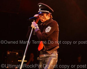 Photos of Singer Scott Weiland of Velvet Revolver in Concert in 2007 by Marty Temme