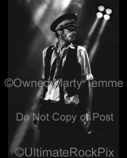 Black and White Photos of Vocalist Scott Weiland of Velvet Revolver with His Megaphone in Concert by Marty Temme