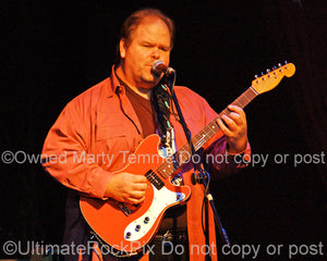 Photo of Buddy Whittington of John Mayall in concert in 2008 by Marty Temme