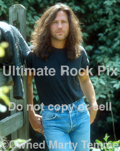 Photo of musician Kip Winger during a photo shoot in 1993 by Marty Temme