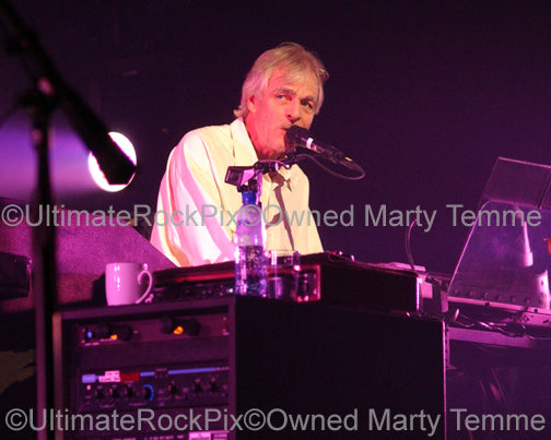 Photo of keyboardist Richard Wright of Pink Floyd in concert by Marty Temme