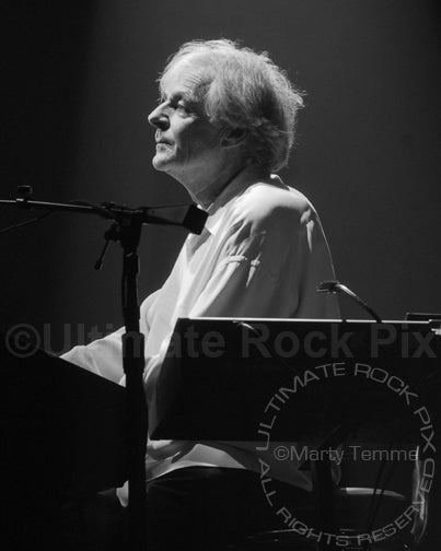 Black and white photo of keyboardist Richard Wright of Pink Floyd in concert by Marty Temme