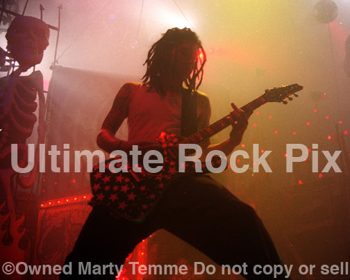Photo of Jay Yuenger of White Zombie in concert in 1993 by Marty Temme